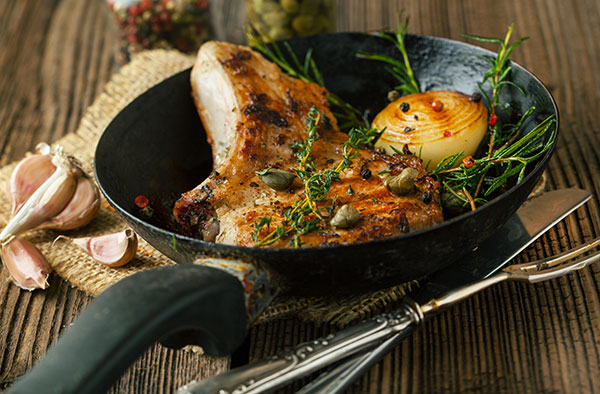 Pork Chops with Apples & Thyme